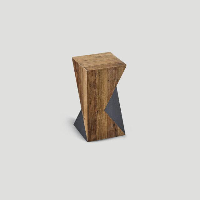 Tavolino in legno vecchio